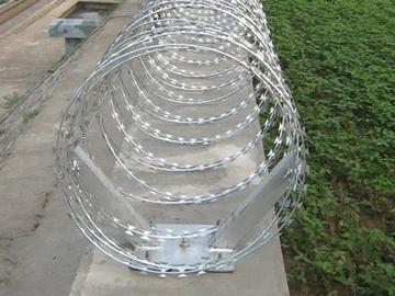 刀片刺绳防护网